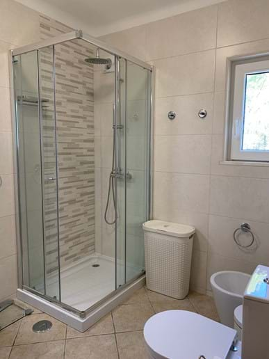 En-suite shower for Master Bedroom