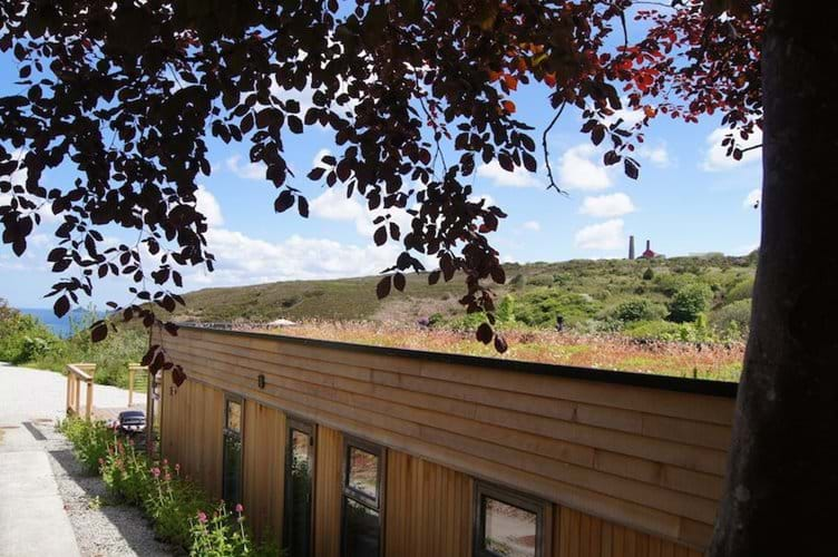 Treth House with Sedum Roof and Sea Views