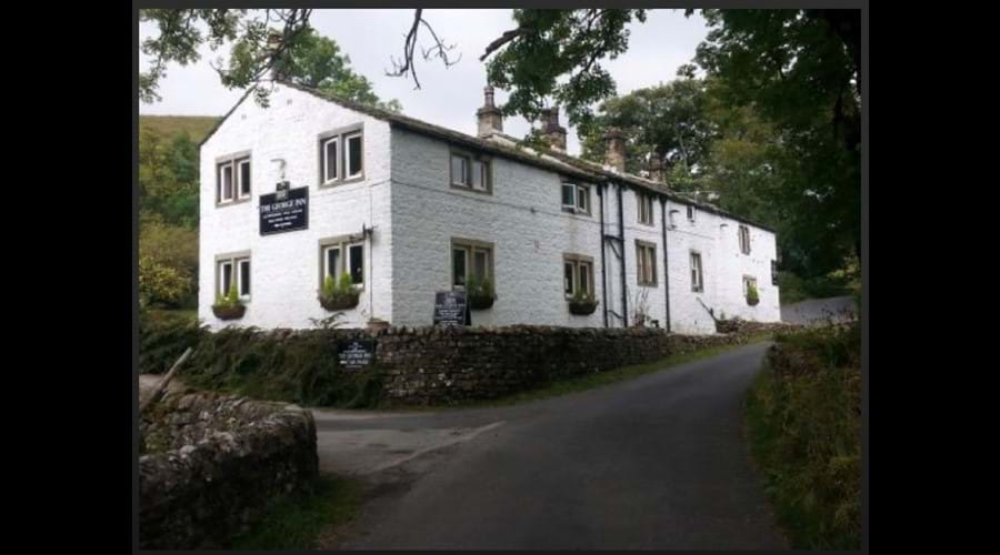 The-George-Inn-from-the-roadside