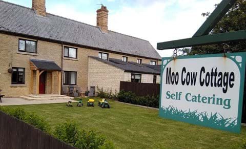 Outside - Moo Cow Self Catering Holiday Cottage.