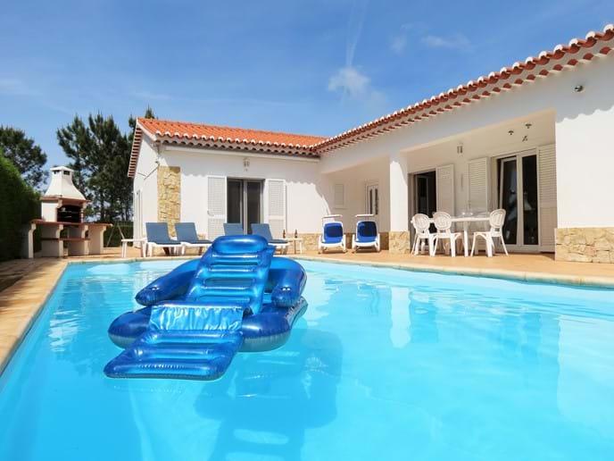3 bed villa in Algarve Portugal with private pool