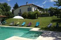 Chez Sarrazin farmhouse with shared pool and garden
