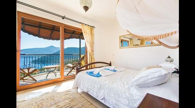 Master Bedroom with En-Suite, Private Balcony and Sea Views