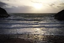 Dramatic waves at Fenella beach, Peel
