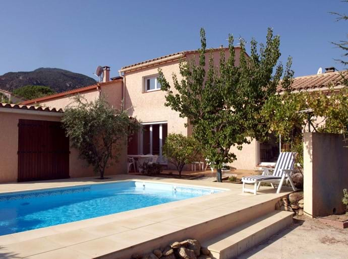 The villa in Laroque des Alberes, with private swimming pool, sun terraces and enclosed private garden