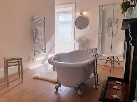 Unwind from the world in our luxury bathroom