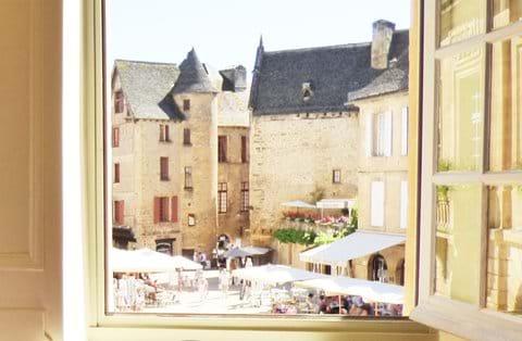 The apartment overlooks Place de la Liberté