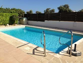 8 x 4 metre pool with electric pool hoist