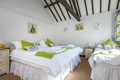 Family bedroom as Super-king plus single