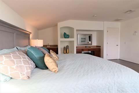 Master Bedroom 2 upstairs