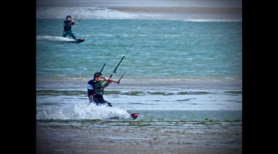 More Kite surfers on the Dovey