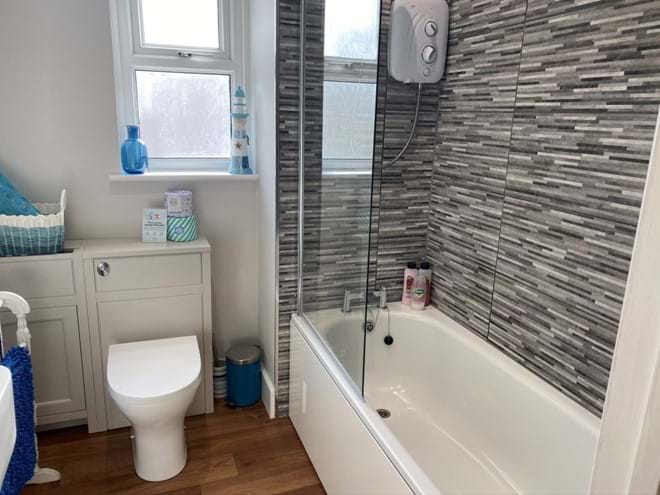 Home from Home Portsmouth - Newly refurbished bathroom with good pressure shower over bath