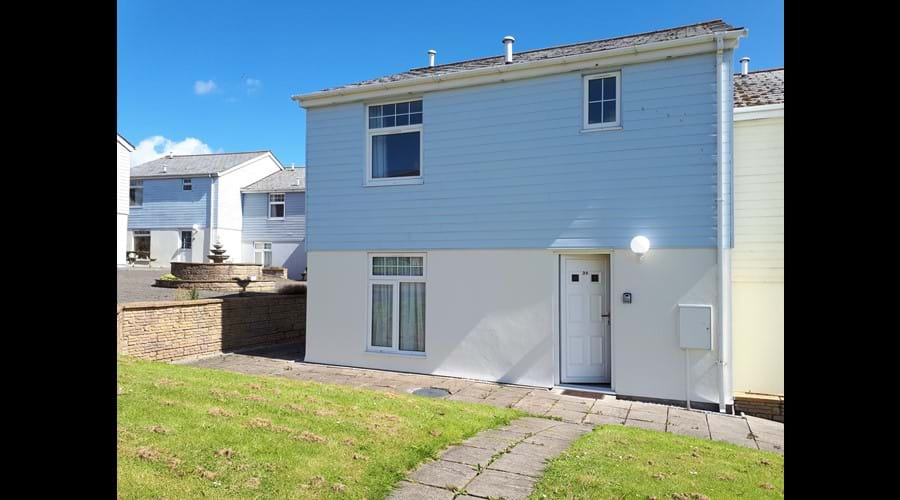 Semi-Detached 4Bed/3Bath Cottage AG35