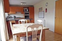 Motherwell Self Catering - Kitchen/dining room
