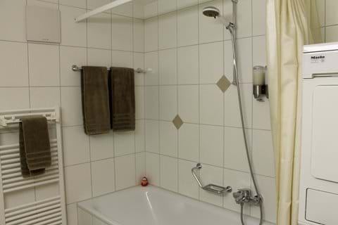 Bathroom with washer/drier