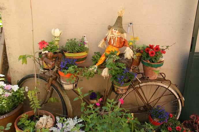 Village garden decoration