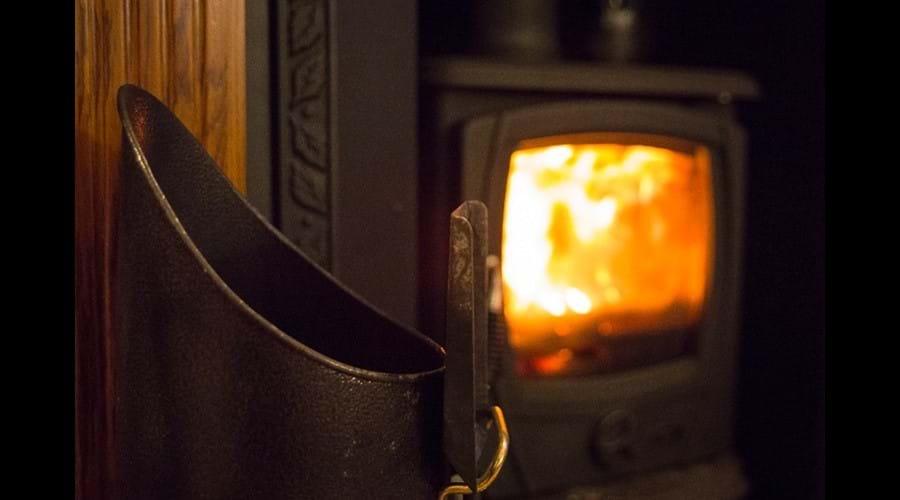Lounge, multifuel stove