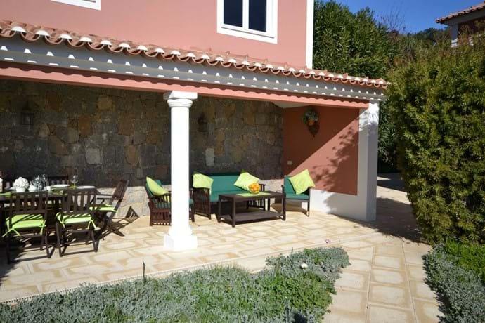 Shady spot in your private villa for rent in Algarve Portugal