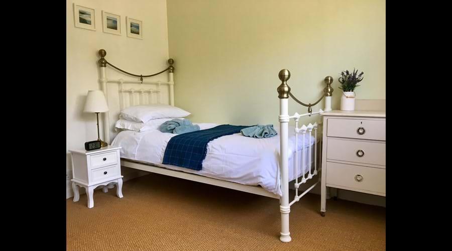 Bedroom 2 - Twin Bedroom