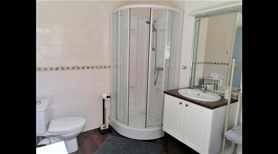 Gables - 1st floor bathroom