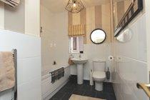 Master Balcony En-suite Bathroom