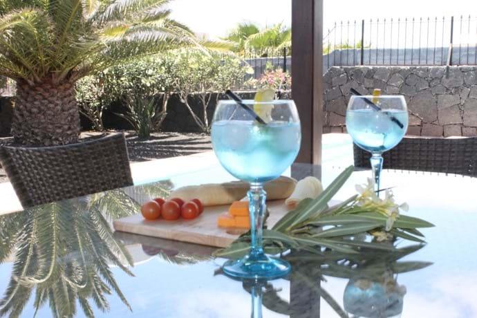 Al fresco gin and tonic - cheers!