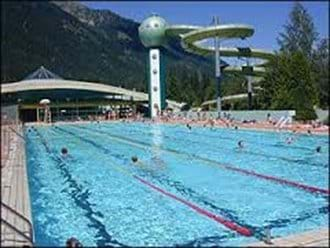 Chamonix swimming pool - free entry with Mont Blanc unlimited ski pass