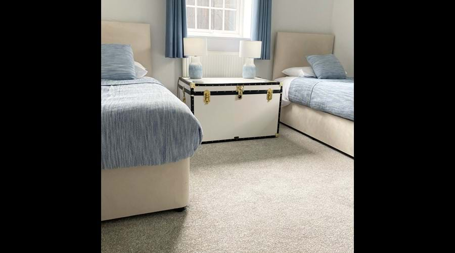 Twin bedroom (ground floor)
