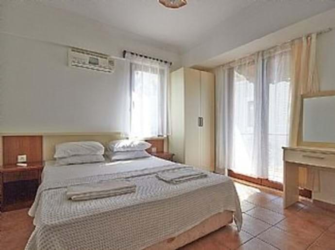 Villa Falcon - second bedroom (ensuite)