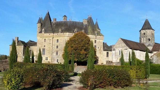 Chateau Jumilac has lovely gardens too.