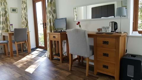Dressing table area, tea and coffee making - and a fridge
