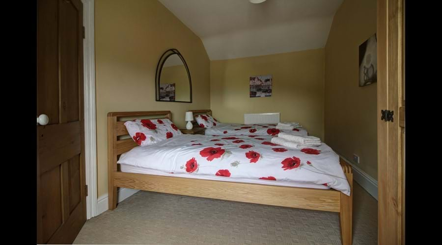 Twin second bedroom - ful size single beds