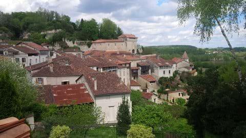 Aubeterre-sur-Dronne (20 kms)