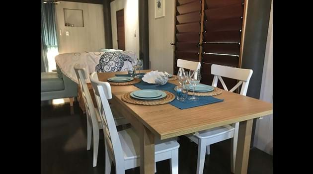 Dining area with 4 chairs and extension table