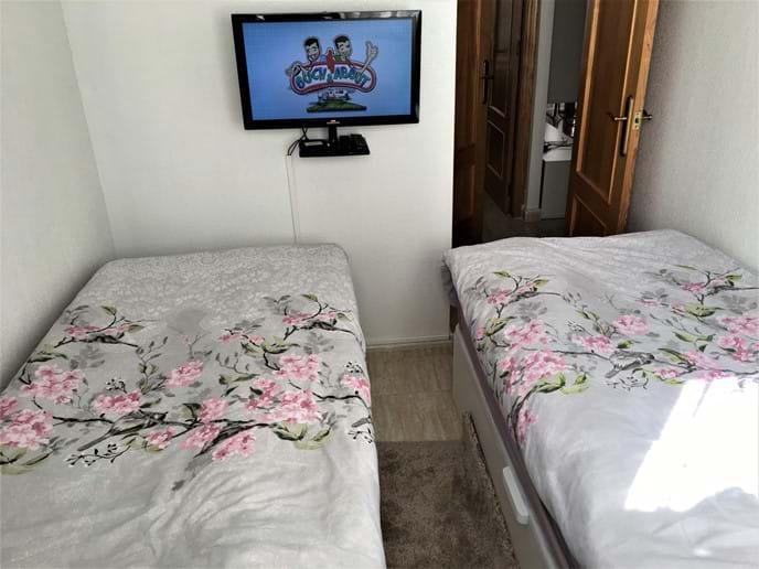 Holiday apartment - second bedroom - IPTV HD channels, YouTube, etc.
