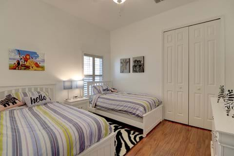 Twin Bedroom 5 (showing stripe duvet cover - Themed covers available)
