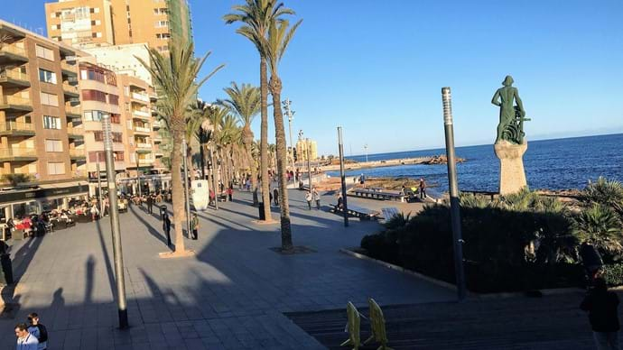 Holiday apartment is close to the promenade