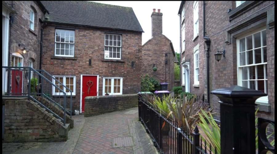Courtyard Severn Bank