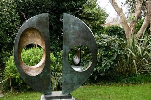 Barbara Hepworth Sculpture