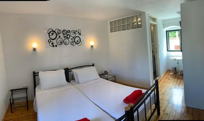 En-suite twin bedroom