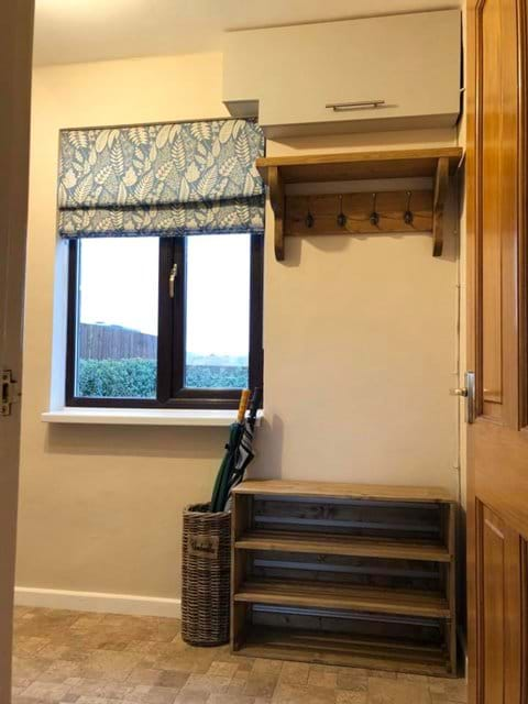 Cloak Room - Moo Cow Cottage self catering