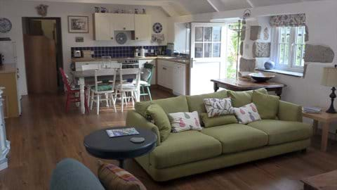 Open Plan Sitting Room and Kitchen