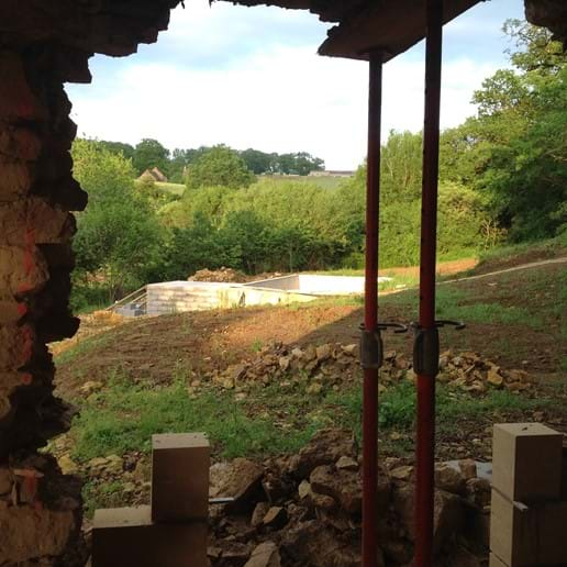 Walnut Barn - french doors overlooking pool
