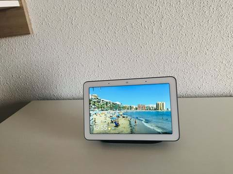 Holiday apartment - Google Home Hub (your assistant in English and Spanish)