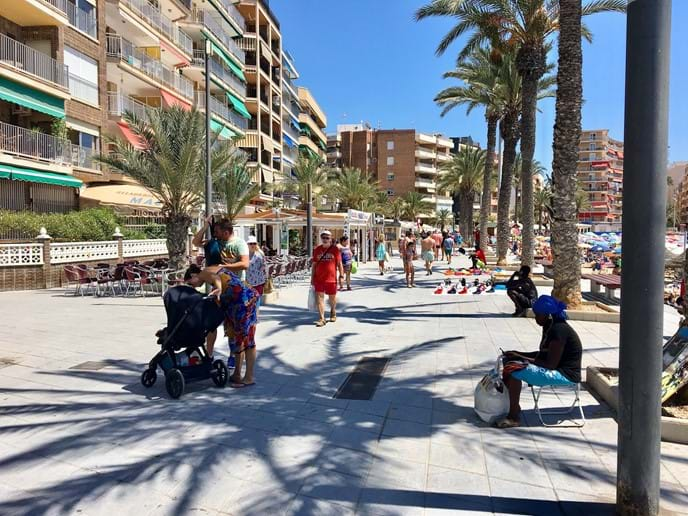 Close to apartment: Playa del Cura, Promenade