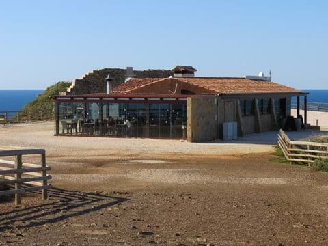 Paulos cliff restaurant - Arrifana - 8 mins drive