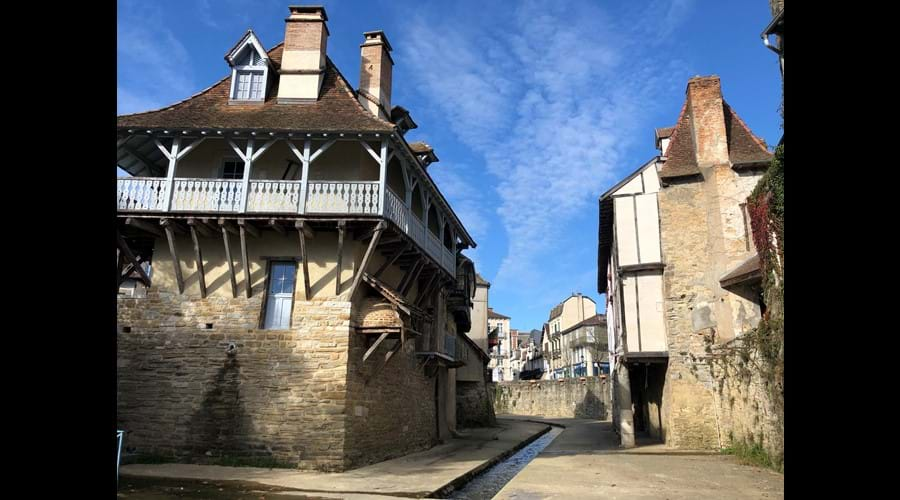The medieval architecture of Salies de Béarn