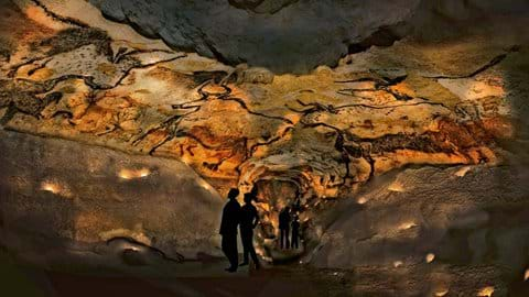 The breath taking caves at Lascaux