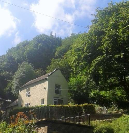 Holywell Cottage from the road/ parking area