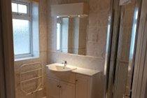 En-suite Bathroom AG34